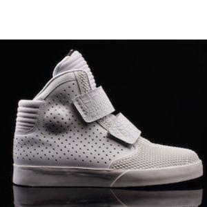 💯Men's Nike Flystepper2k3 Prm (Size 10)😎